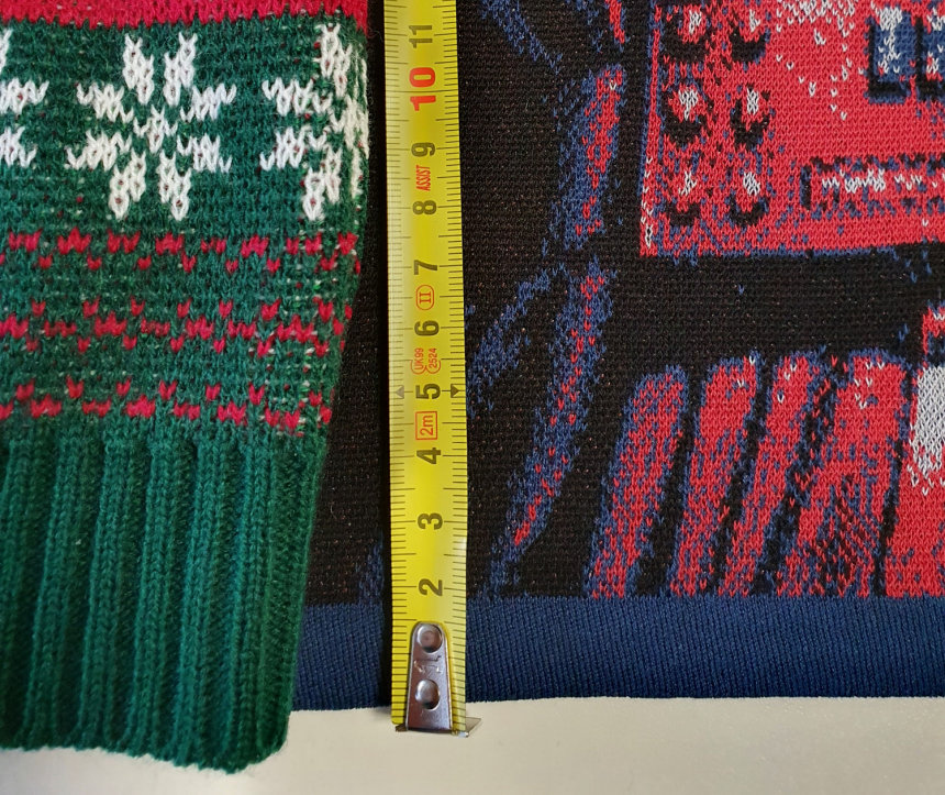 Fine sweater compare gauge
